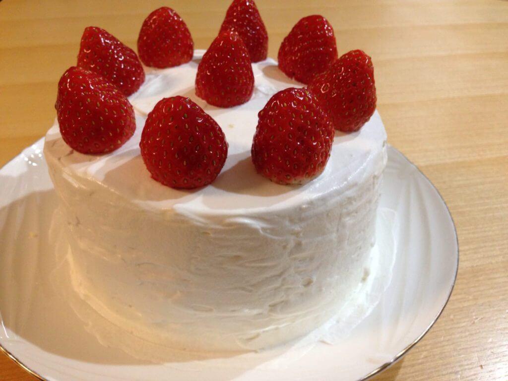 みきママの本で見た、初心者でも作れる簡単!いちごのショートケーキ。